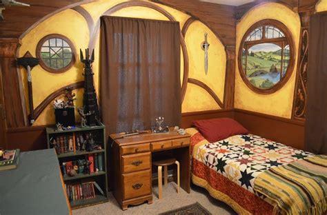 hobbit bedroom hobbit hole bedroom www pixshark com images galleries