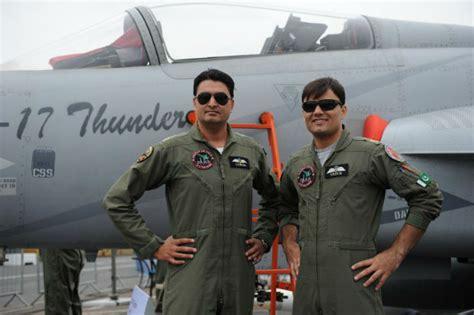 Pakistan sells its JF-17 fighter jet at Paris Air Show ... J 17