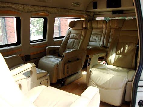 seater toyota luxury van hire delhi toyota hiace van rent  india
