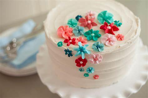 Layered Cake Decorating Ideas learn cake decorating with creativebug wedding cakes