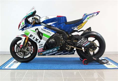 Fixi Top 2013 fixi crescent suzuki gsx r1000 debuts with less engine building support from yoshimura