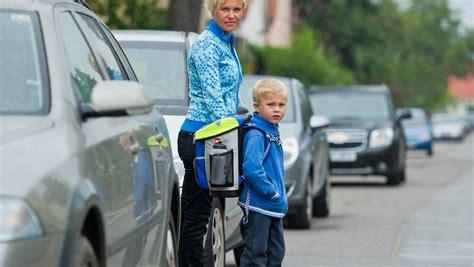 Auto Ummelden Kosten Rheinland Pfalz by Mit Dem Auto Zur Schule Eltern Bleiben Auf Kosten Sitzen