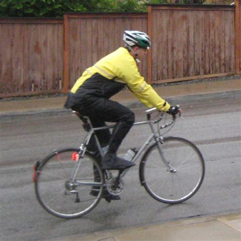 cycling in the rain clothing bike rain gear bicycling and the best bike ideas