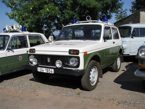 lada e 27 gel 228 ndewagen lada niva was 2121 der deutschen volkspolizei