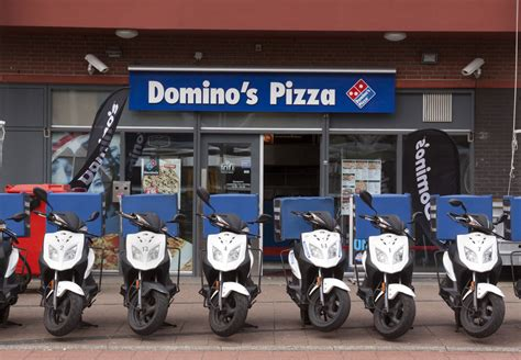 domino pizza fx sudirman domino s pizza shares up as x factor saturdays boost sales