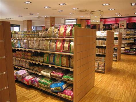 arredamento shop pet shop turn key azienda arredo negozi