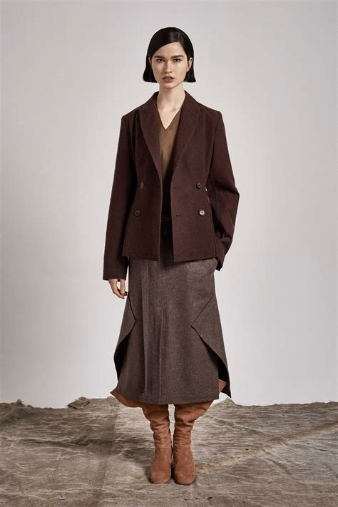 A Brief Look At The Pre Fall Collections by Nehera Pre Fall 2017 Collection Photos Vogue
