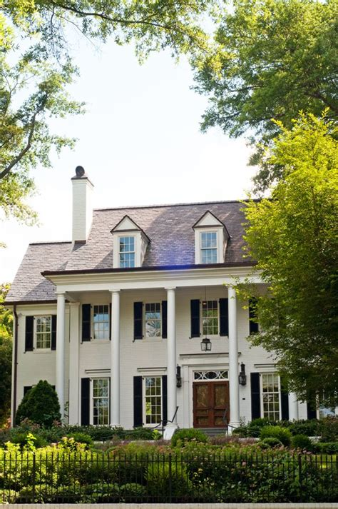 white colonial homes 25 best ideas about colonial style homes on pinterest