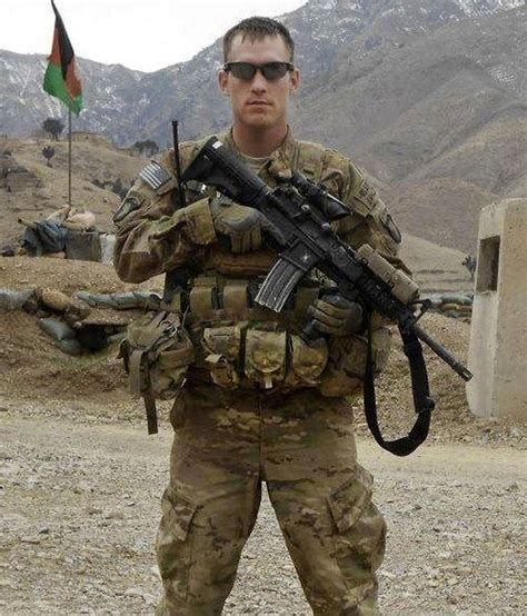A Soldiers afghan fatally stabs us soldier in the neck