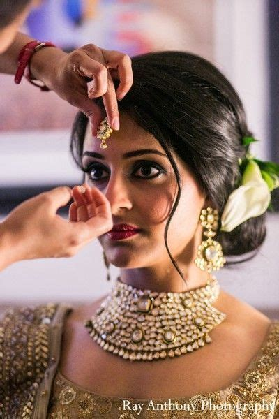 hairstyles in indian wedding 20 gorgeous indian wedding hairstyle ideas loose chignon