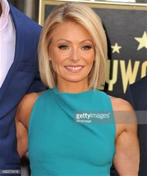is kelly rippas hair thin kelly ripa haircut on pinterest kelly ripa hair bobs