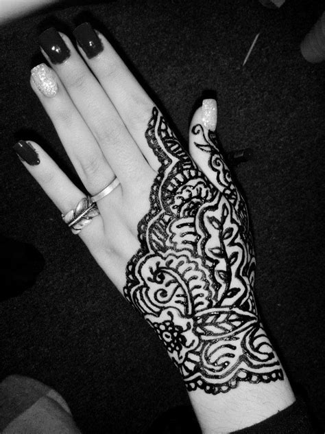 henna tattoo wie lange haltbar henna 2 by riotfreak on deviantart