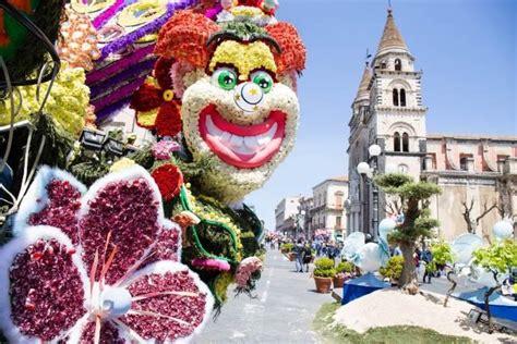 sanremo festa dei fiori festa dei fiori ad acireale i coloratissimi carri