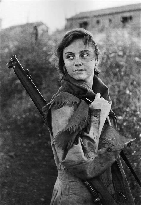 the spanish civil war 1782007822 spanish woman fighting for the republican loyalists in the spanish civil war she is armed with