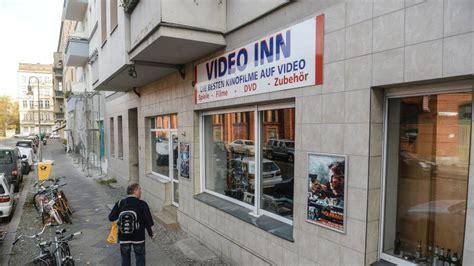 videothek hellersdorf spiel mir das lied vom tod der videotheken berlin