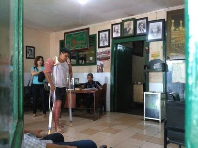 Minyak Urut Cimande riwayat haji naim tukang urut legendaris dari cimande