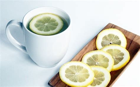 bienfaits froide les bienfaits du citron et de l eau citronn 233 e