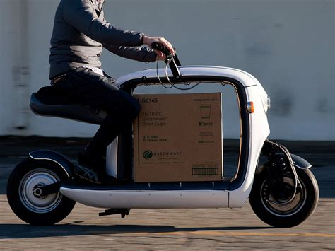 lit motors kubo scooter is the ultimate delivery