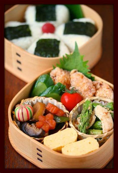 Egg Roll Bento Frozen Foods japanese bento lunch onigiri rice dashimaki egg roll nimono simmered vegetables jfc by