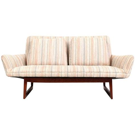 Settee Sofa Or by Sculptural Jens Risom Sofa Or Settee For Sale At 1stdibs