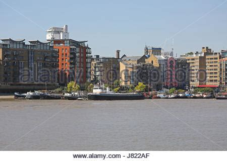 houseboats east london houseboats on river thames in london uk stock photo