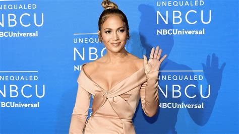 Jlo Ready For Up by Goes Makeup Free Getting Ready For Show