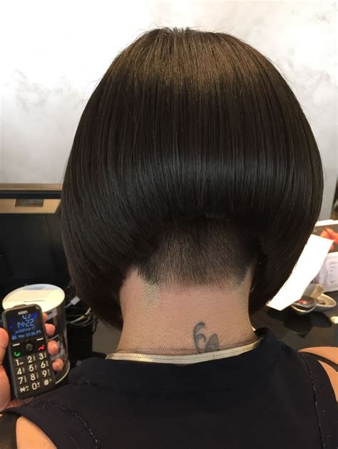 black short hair styles stacked freeze curls flips 1330 best bobbed hairstyles images on pinterest short