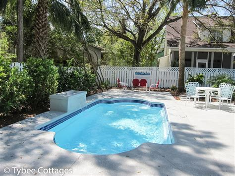 Cottages With Pool by Coral Cottage Cool By The Pool Reserve Now Tybee Cottages