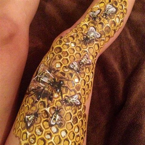 honeycomb tattoo designs best 25 honeycomb ideas on geometric