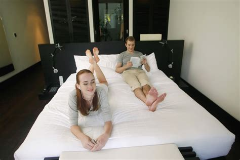 hotel room hacks 6 hotel room hacks you ll wish you d known before