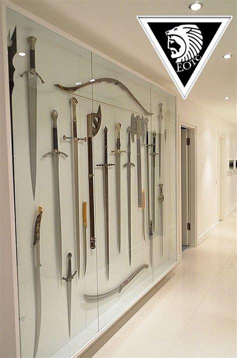 sword display    close
