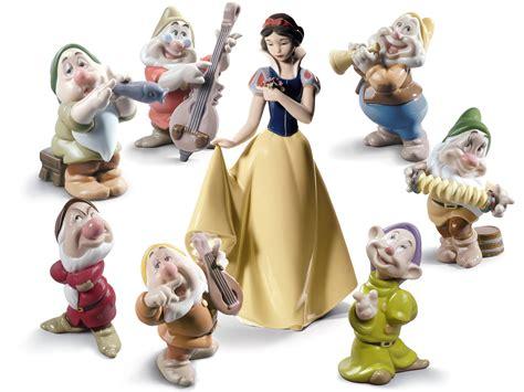 Figurine Snow White 7 Dwarfs Set nao snowwhite dwarfs quot snow white the seven dwarfs quot disney figurines dc leake jewellers
