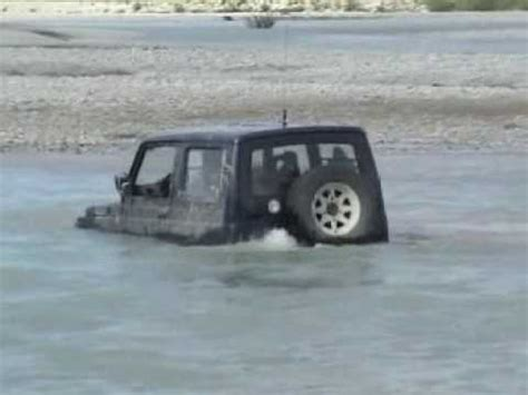 floating jeep extreme suzuki floating jeep deep water youtube