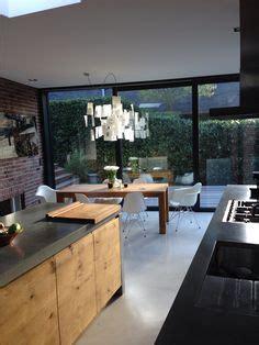 kitchen island lichtplanung k 252 che in u form in schwarz unf mitteldunklem holz 228 hnliche