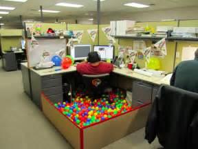 Office Prank Ideas Desk 17 Office Desk Pranks The Poke