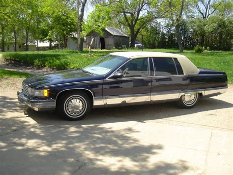95 cadillac fleetwood for sale 1995 cadillac fleetwood brougham 4 sale 1st post