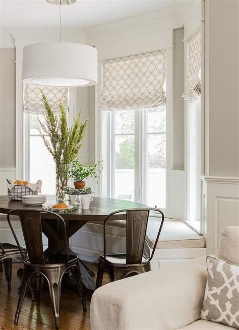 Images Of Bay Windows Inspiration Bay Window Inspiration のおすすめアイデア 25 件以上 出窓の座席 出窓の座席 出窓の寝室