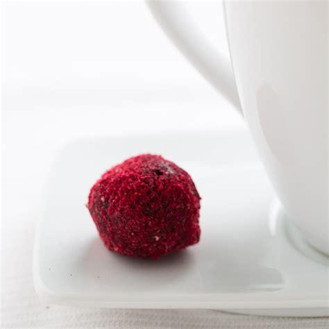 dark chocolate raspberry raspberry dark chocolate strawberry white chocolate