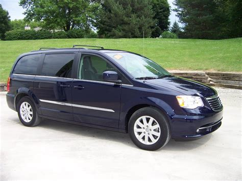 Chrysler Town And Country Mini by 2014 Chrysler Town And Country Touring 4dr Mini In