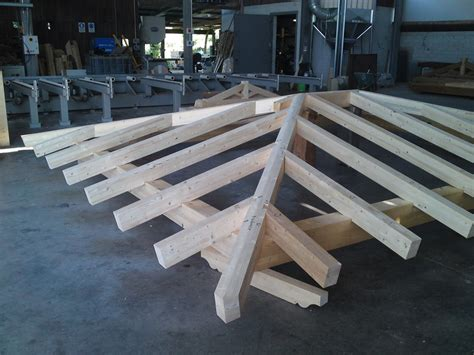 tetto padiglione tetto a padiglione in legno lamellare ispirazione design