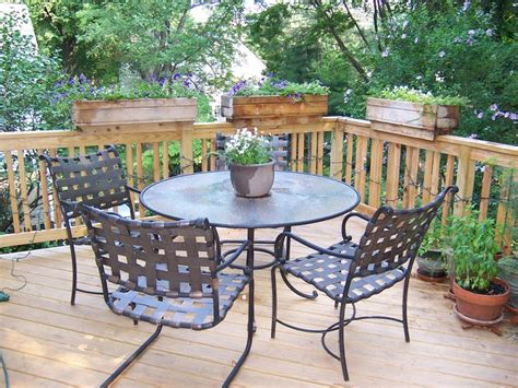 Planters For Deck Railings by Best 25 Deck Railing Planters Ideas Only On
