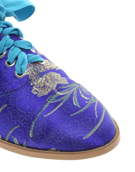 libro the magic carpet slippers object moved
