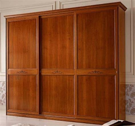 armadi in ciliegio armadio scorrevole 3 ante ciliegio classico
