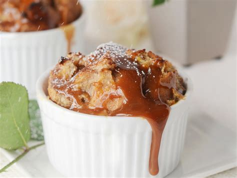 Bread Pudding Two Ways Beginner Expert by Banana Bread Pudding With Caramel Sauce Recipe Myrecipes