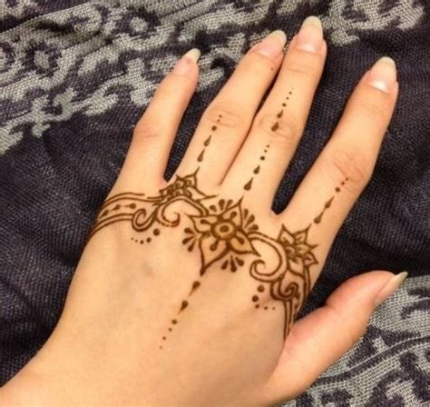 easy henna tattoo designs for fingers 261 best images about henna designs on