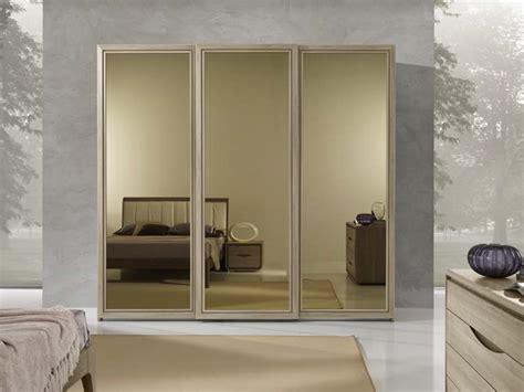 armadio ante scorrevoli a specchio armadio artec con ante scorrevoli specchio