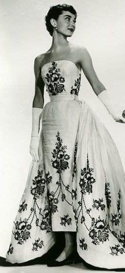 Wedding Hair Like Hepburn by 25 Best Ideas About Hepburn Style On