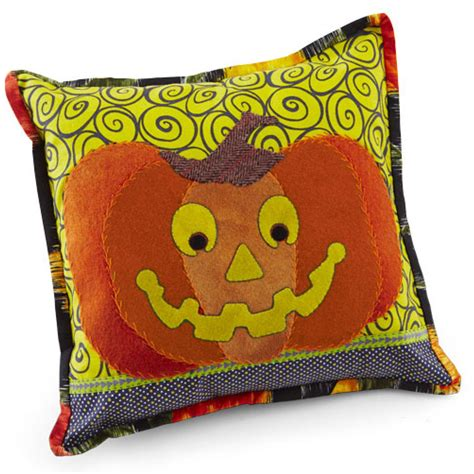 Quilting Sweepstakes - happy pumpkin pillow allpeoplequilt com