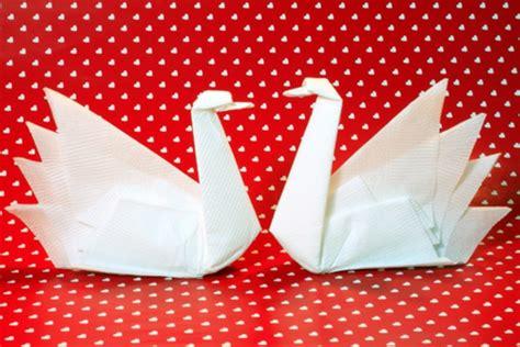 servietten falten  auffaellige ideen zum selbermachen