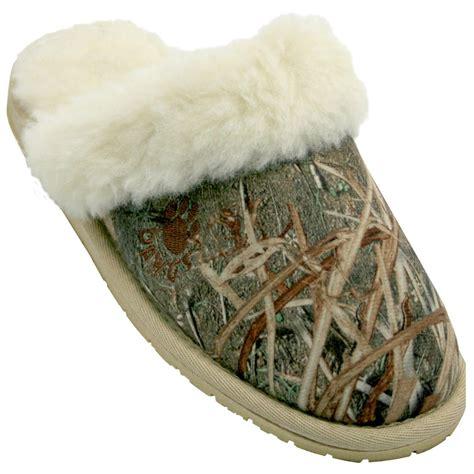 dawgs slippers s dawgs 174 mossy oak 174 scuff slippers 583678 slippers
